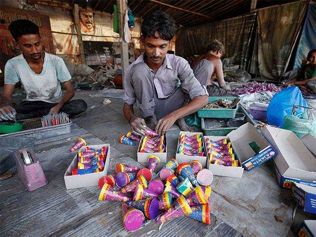 Supreme Court bans fireworks on Diwali in Delhi-NCR region - Times of India
