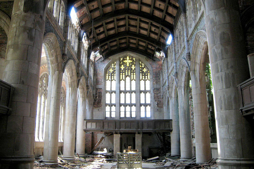 10 haunted churches with a bone-chilling history for a Halloween visit this year!
