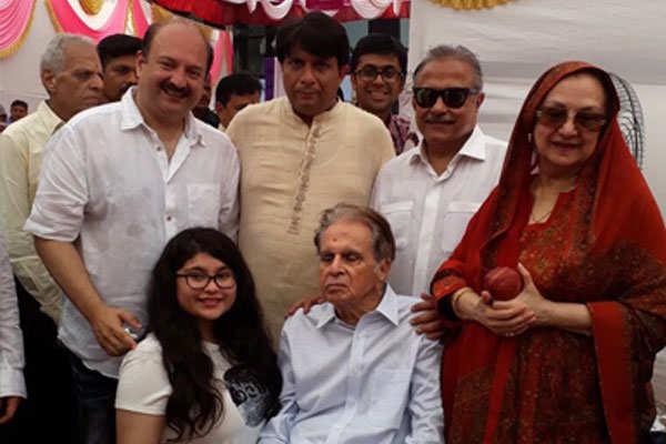 Dilip Kumar And Saira Banu Celebrate 51st Wedding Anniversary