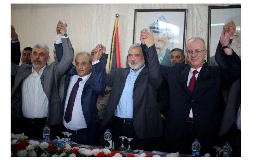 Palestinian rivals Fatah, Hamas reach reconciliation deal - Times of India