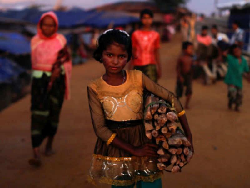 SC almost passes 'don't deport Rohingya' interim order, relents