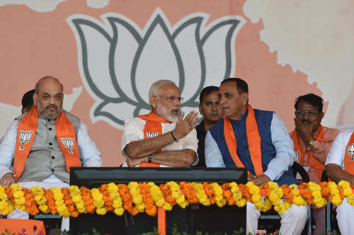 Gujarat Election 2017: Eyeing polls, BJP offers loan at 0% interest to Gujarat farmers