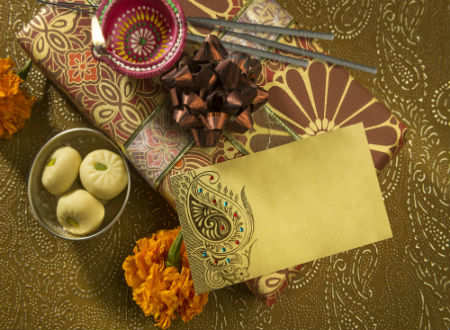 Diwali gifts ideas 2017 10 awesome gifts for diwali which cost less negle Image collections