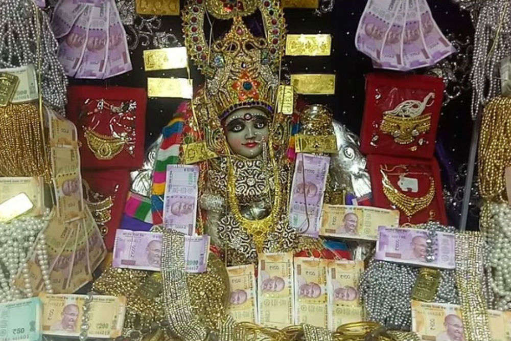 Mahalaxmi Temple in Ratlam to be decorated with cash and jewels worth Rs. 100 crore for Diwali