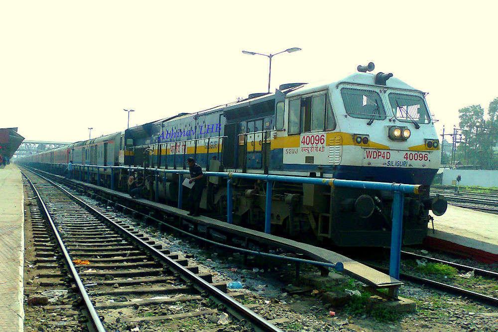 Super Rajdhani starts between Delhi-Mumbai