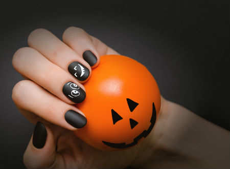 10 Spooky Nail Art Ideas For Halloween Times Of India