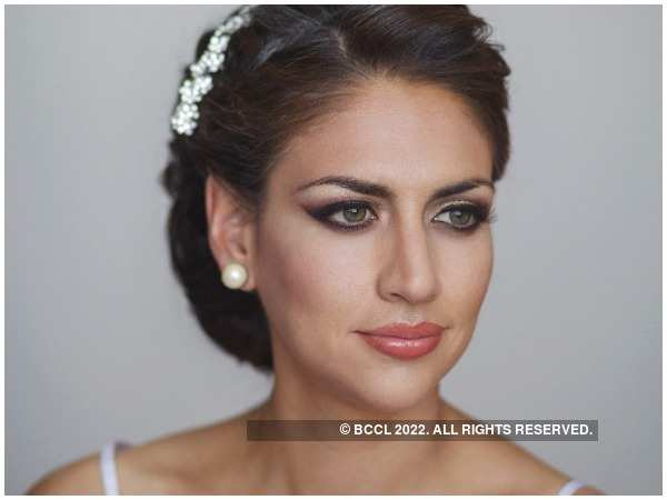 Keep these in mind when you do your own make-up on your wedding day | Beauty Tips