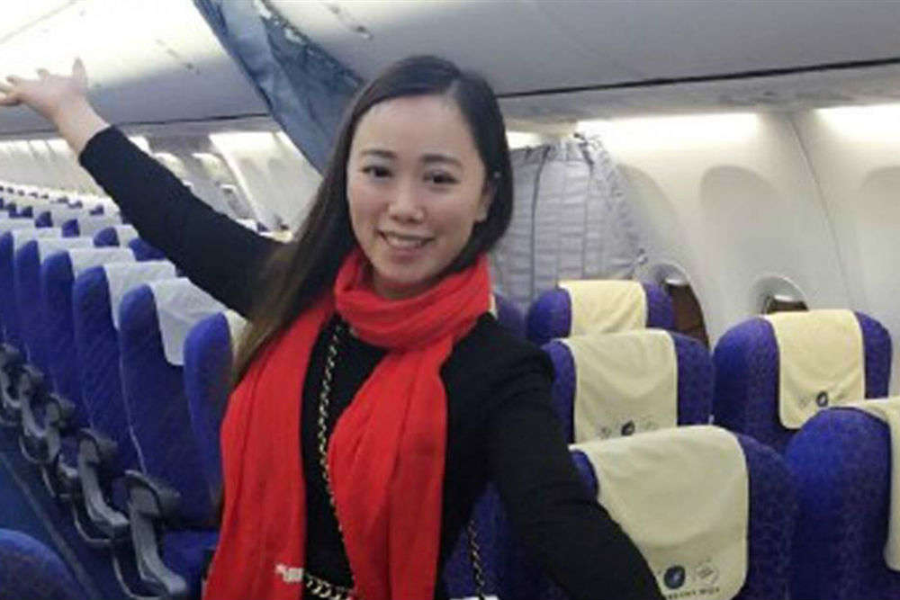 5 travellers who got lucky and flew solo!