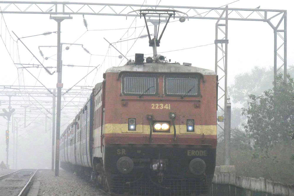 Indian Railways to use GPS-enabled fog safety devices for safer travel this winter