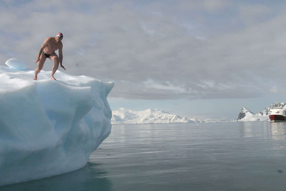This man just dared to complete 'the most dangerous swim' in Antarctic waters