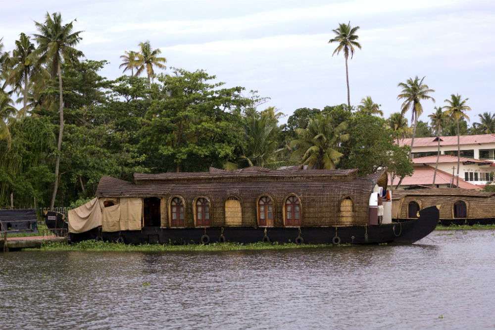 Maharashtra government announces plans about backwater tourism in Mumbai