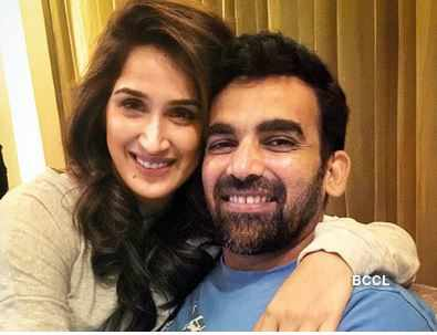 sagarika-ghatge-and-zaheer-khans-first-post-wedding-selfie-says-it-all