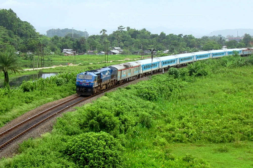 Soon Rajdhani and Shatabdi trains will get Swarna coaches with latest facilities