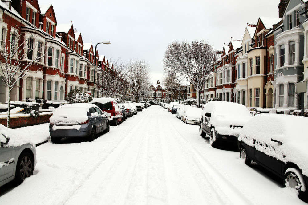 UK hit by 'snowbomb'; daily life comes to standstill