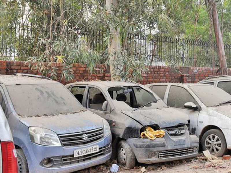Junked cars outside homes to be auctioned off | Delhi News - Times ...