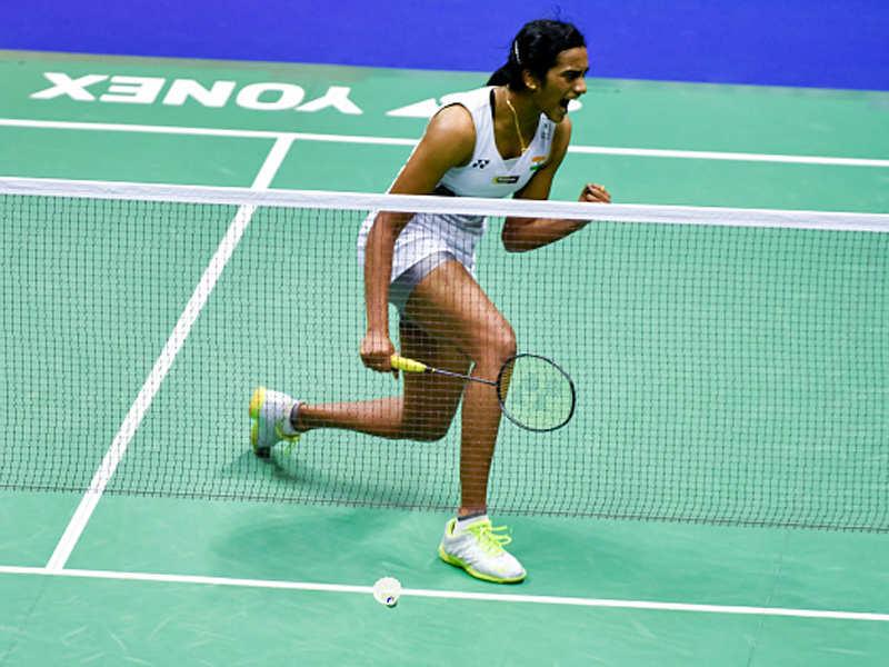 PV Sindhu: World Superseries Finals: PV Sindhu enters semis, Kidambi Srikanth out