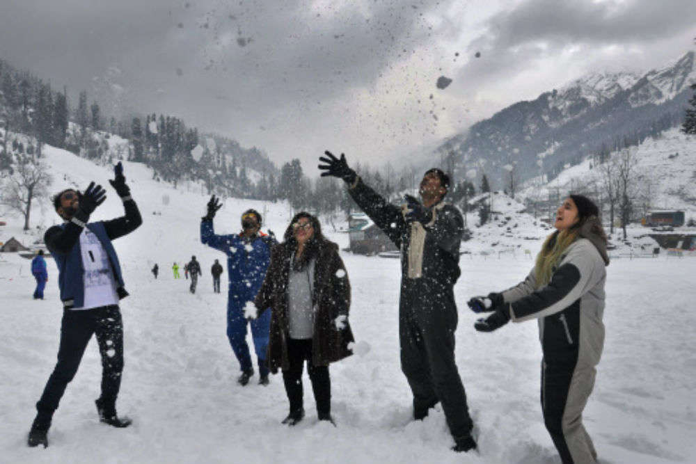 Snowfall makes Manali and Solang the most desired destinations among tourists