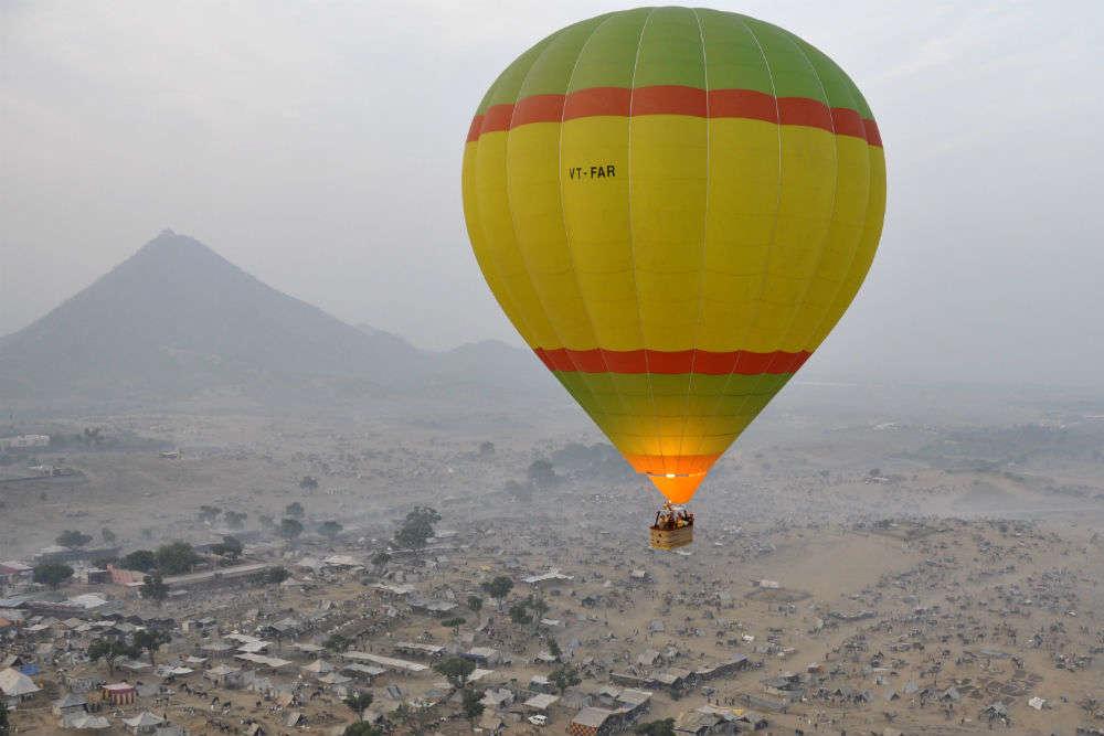 10-day hot air balloon festival starts in Varanasi, costs INR 500 per ride