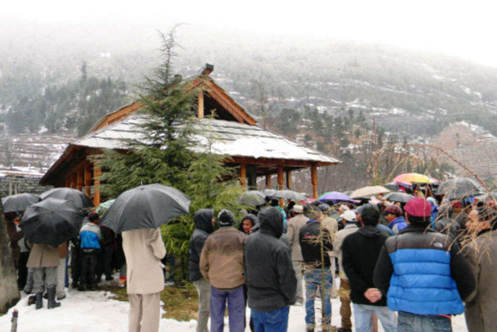 White Christmas skips Shimla, Manali even as thousands of tourists pour in