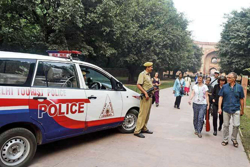 Delhi tourist police to learn foreign lingo to offer better assistance to foreigners