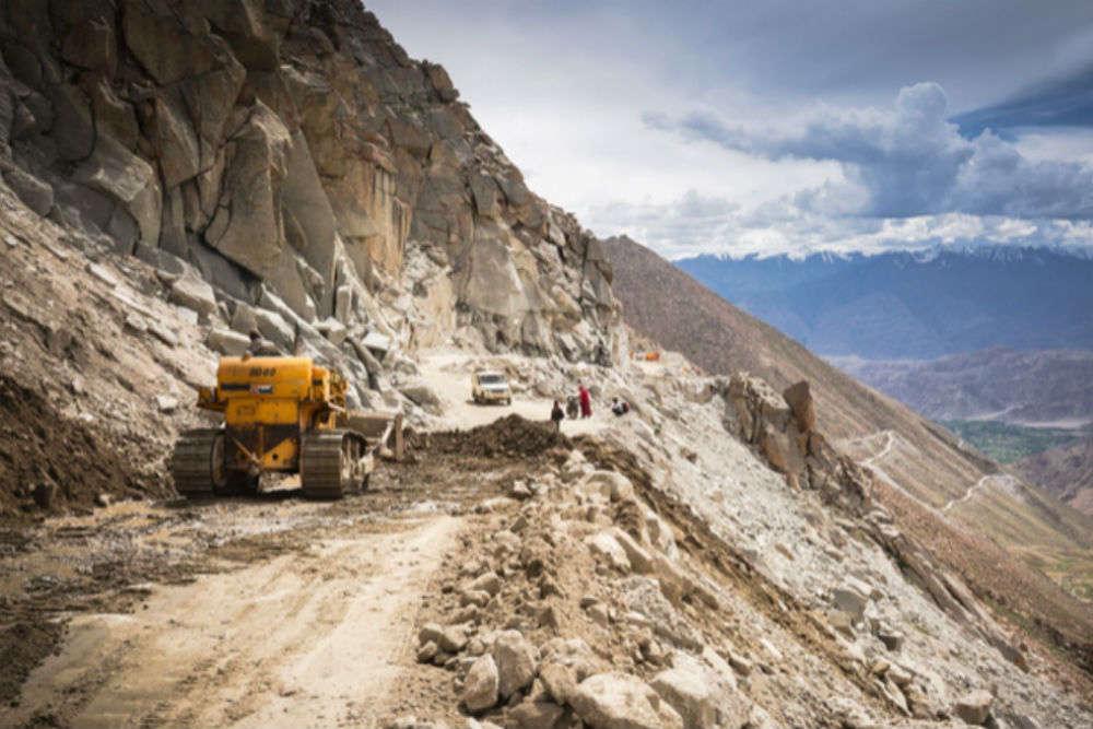 Construction of Zojila Pass tunnel on the Srinagar-Leh highway gets a green signal