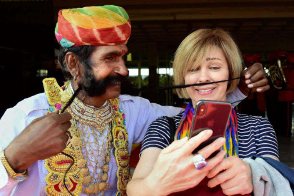 Foreign tourist arrivals in India touches 1 crore in 2017; record earnings of $27 billion