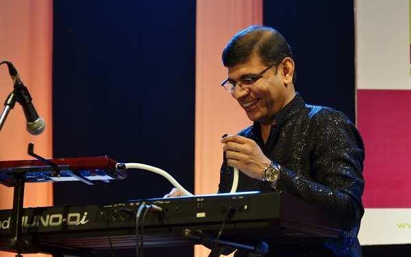 Satyajit Prabhu: Satyajit Prabhu all set to regale American music lovers | Marathi