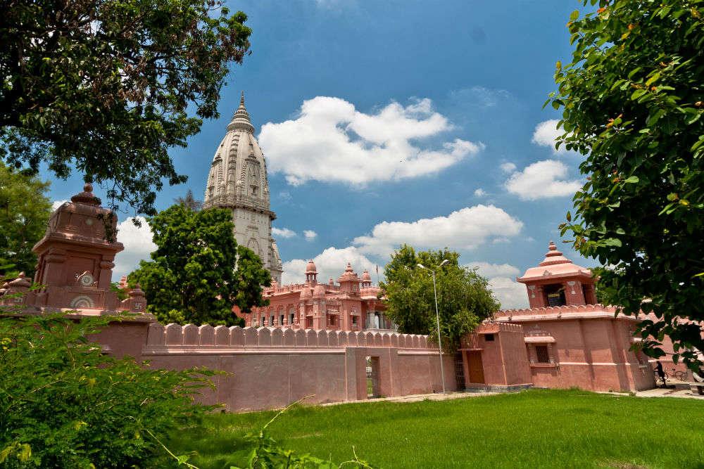 How to reach Kashi Vishwanath Temple