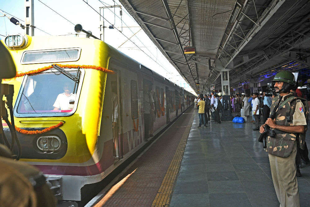 Rail Yatri Guide Kiosk: new touchscreen enquiry system launched at New Delhi station