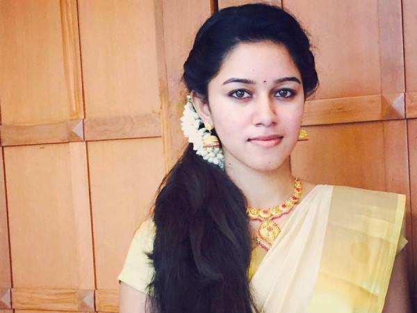 Dubsmash Girl Mirnalini To Act In Thiagarajan Kumararajans Super Deluxe Tamil Movie News Times Of India