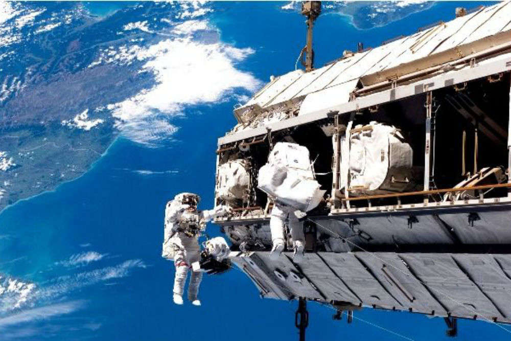 Russia is planning to offer spacewalks to tourists on International Space Station for $100 million