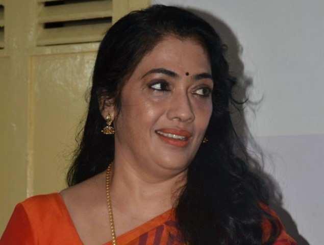 Rekha Latest News Photos Reviews: Rekha: Actress Rekha Denies Her Daughter Entry Into Films