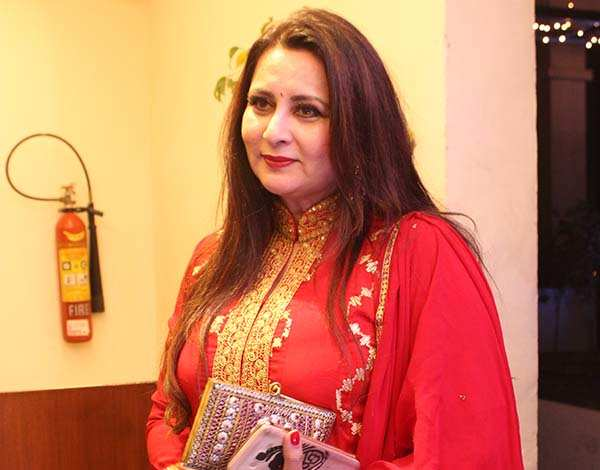 Poonam Dhillon wants to resettle in Chandigarh | Events Movie News - Times  of India
