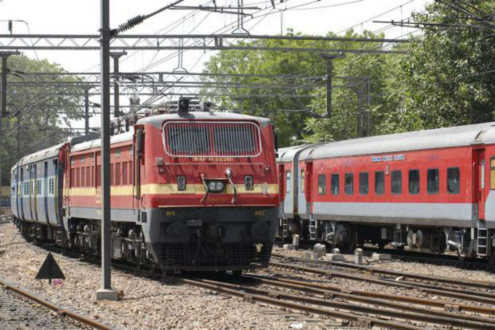 Indian Railways to introduce 160 kmph engine-less trains
