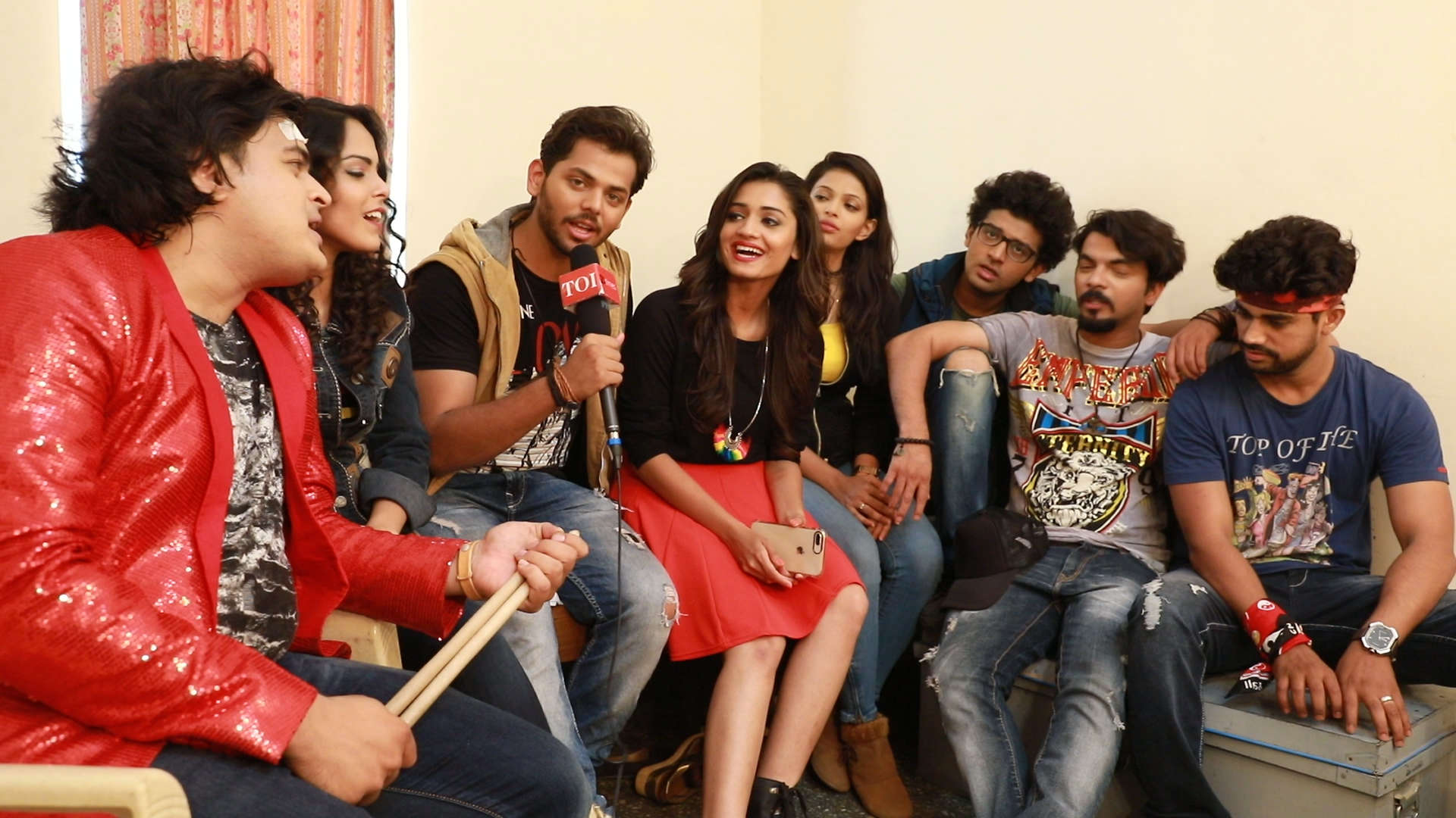 Phulpakharu gang sings a song for their fans