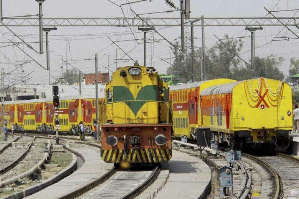 Western Railways won't allow regular pass holders to board express trains