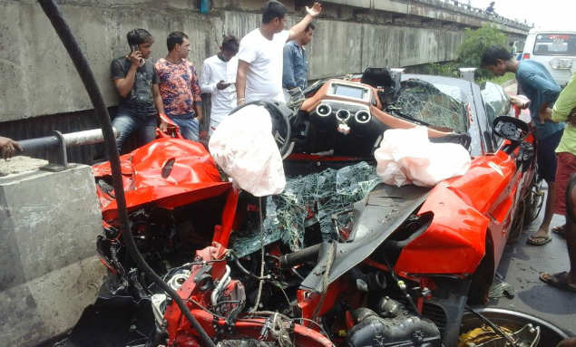 Kolkata Ferrari Accident: Ferrari crashes into flyover rail in