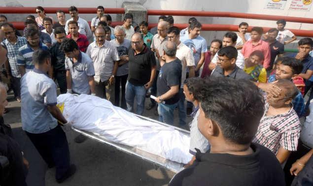 Kolkata Ferrari Accident: Ferrari crashes into flyover rail