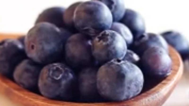 10 amazing health benefits of blueberries