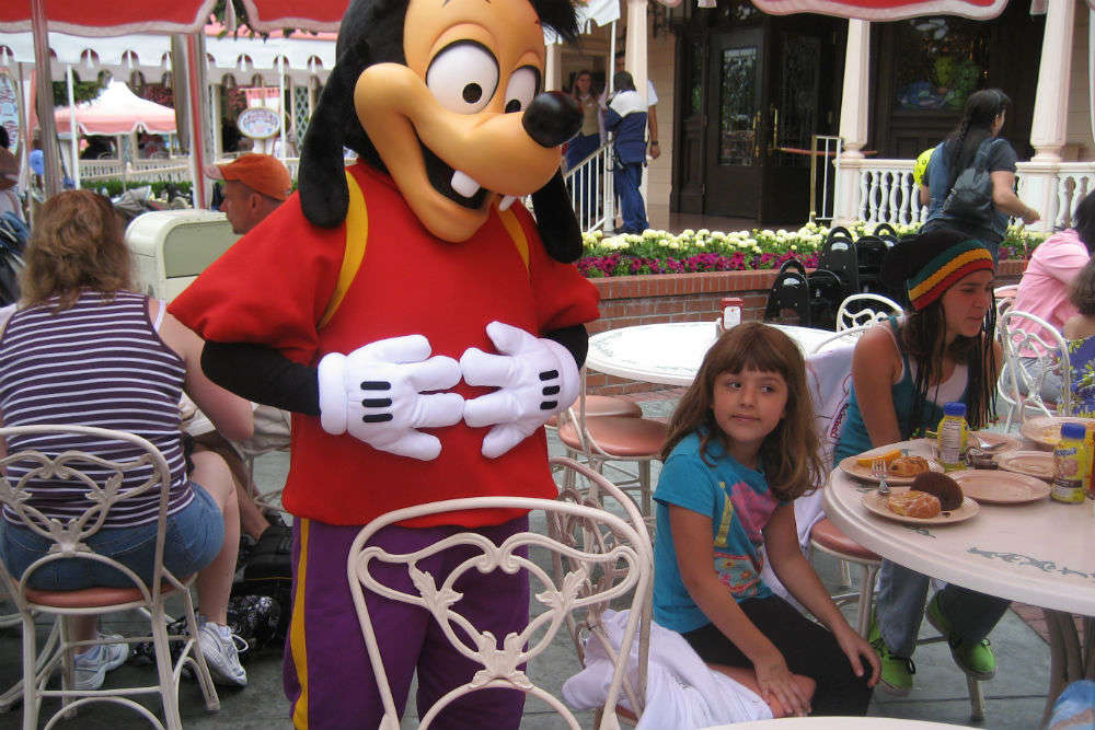 5 serious mistakes you should never make in Disneyland