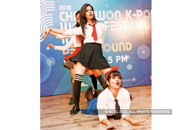 Delhiites funk up K-pop auditions at Korean Cultural Centre | Delhi