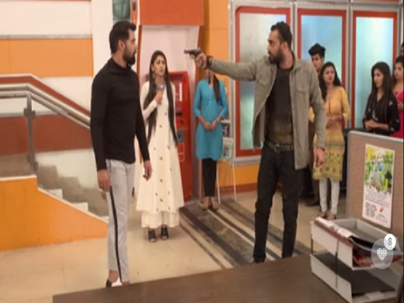 Kumkum Bhagya written update June 27, 2018: Abhi protects Pragya