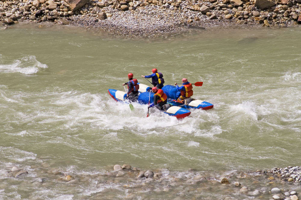 Bad weather puts a stop on adventure activities in Kullu