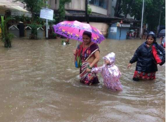 mumbai rains live updates heavy rain hits normal life in mumbai