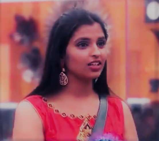 bigg-boss-2-telugu-contestant-nandini-rai-shocking