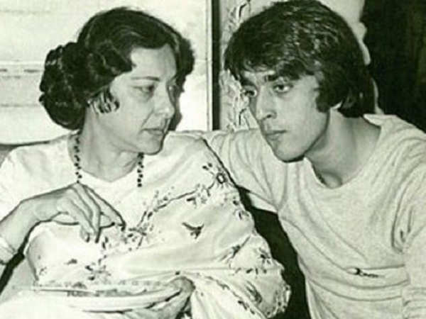 This last message of Nargis Dutt to Sanjay Dutt will melt your heart - Times of India
