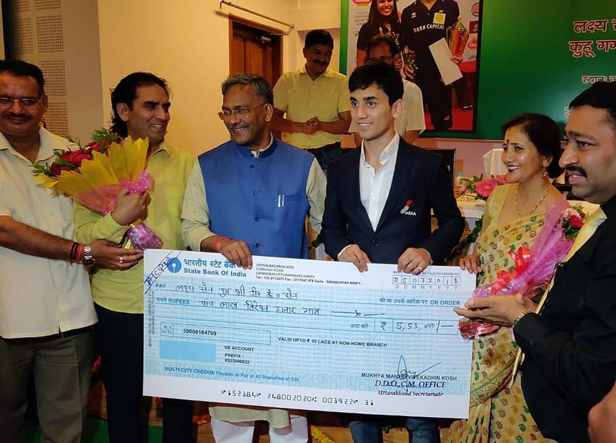 Uttarakhand CM felicitates Lakshya Sen, Kuhoo Garg | Badminton News