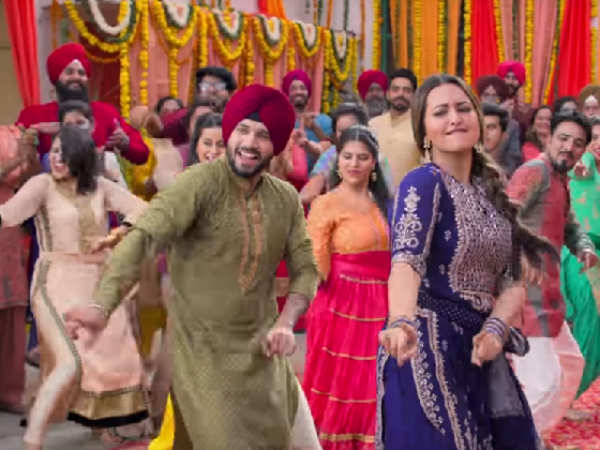 Sonakshi Sinha Is Unstoppable In This Bts Video Of Happy Phirr Bhag