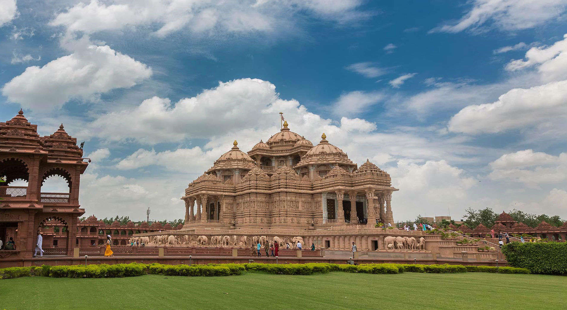 Did you know Akshardham Temple has designs modelled on Ajanta and Ellora caves?