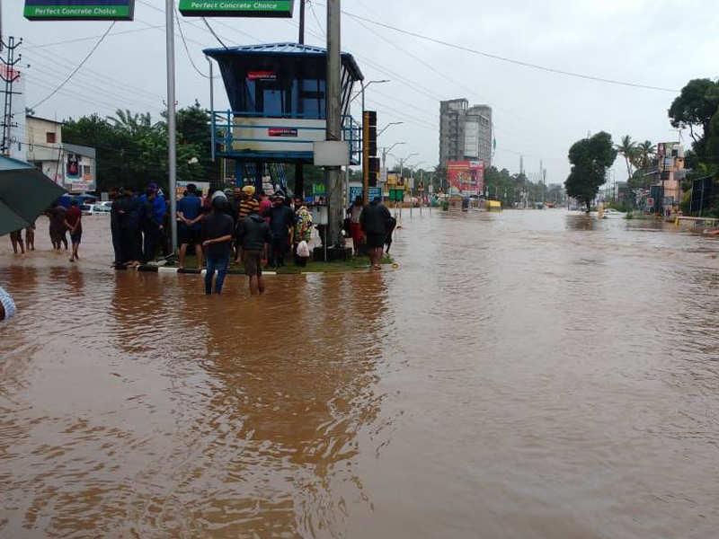 Kerala floods live updates: Flood fury continues in Kerala ...